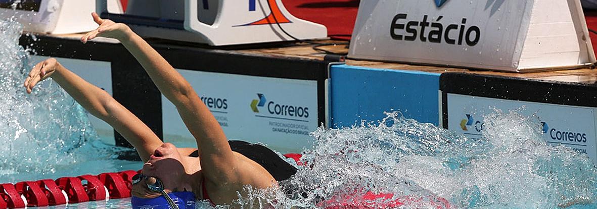 Etiene faz história em Doha. Primeira brasileira recordista e medalhista mundial da FINA