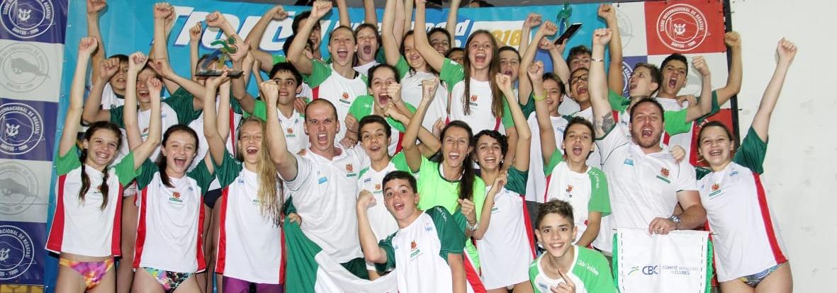 Curitibano é campeão brasileiro infantil interclubes de natação