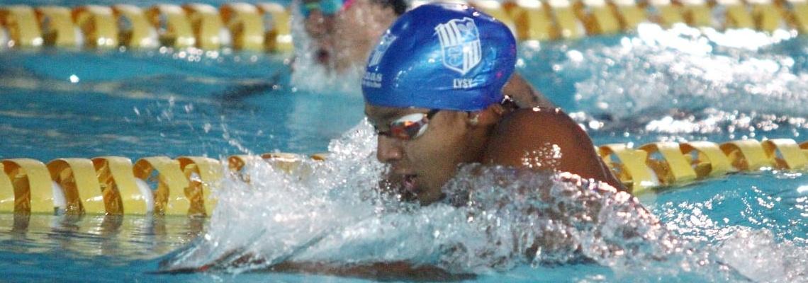 Campeonato Brasileiro Juvenil começa com dois recordes nos 200m peito