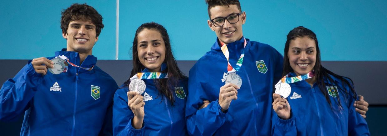 Revezamento 4x100m livre misto é prata nos Jogos Olímpicos da Juventude