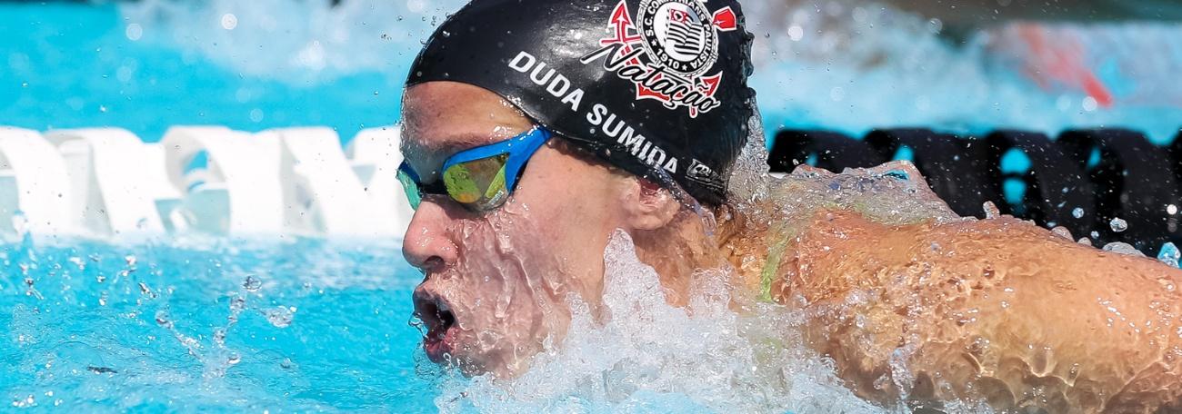 Maria Eduarda Sumida e Lucas Peixoto vencem suas provas nos 200m livre do Campeonato Brasileiro Júnior de Natação – Troféu Júlio de Lamare