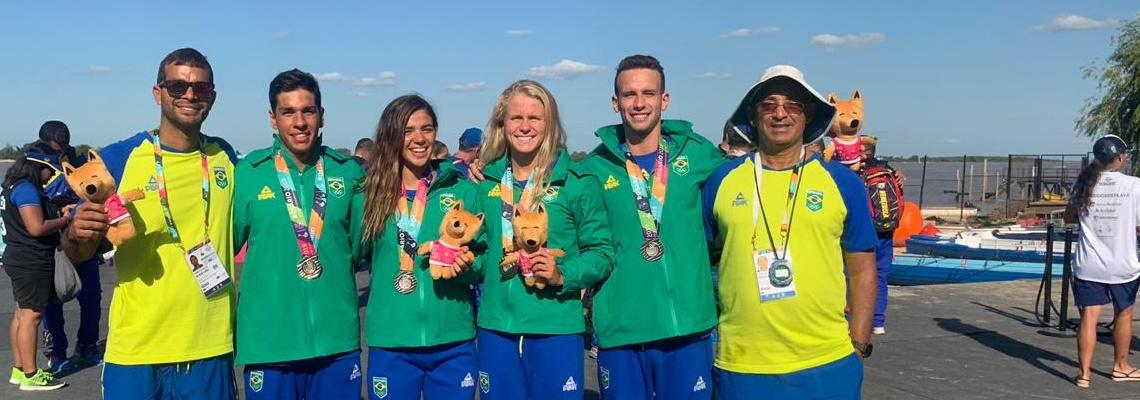 Maratonas Aquáticas - Revezamento misto conquista a prata nos Jogos Sul-Americanos de Praia